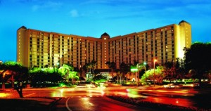medium_Rosen_Plaza_Nighttime_Exterior